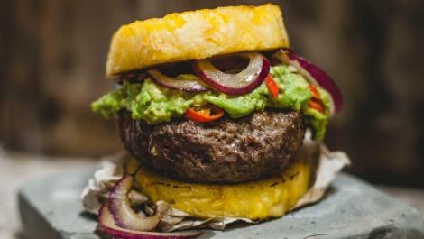 Hamburger-mit-Ananas-1024x579